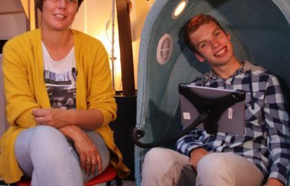 Referentie 's Heeren Loo bewoner Paul vindt ontspanning in 4-Senses akoestische stoel bij Health2Work