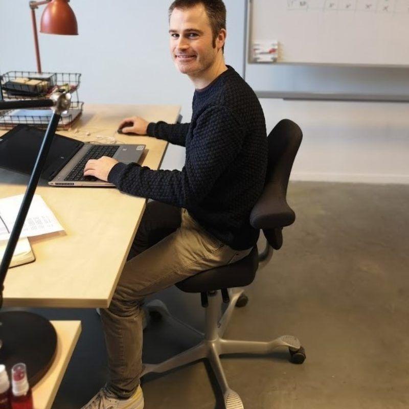 HAG Capisco bureaustoel en zit sta bureaus voor Max Mobiel