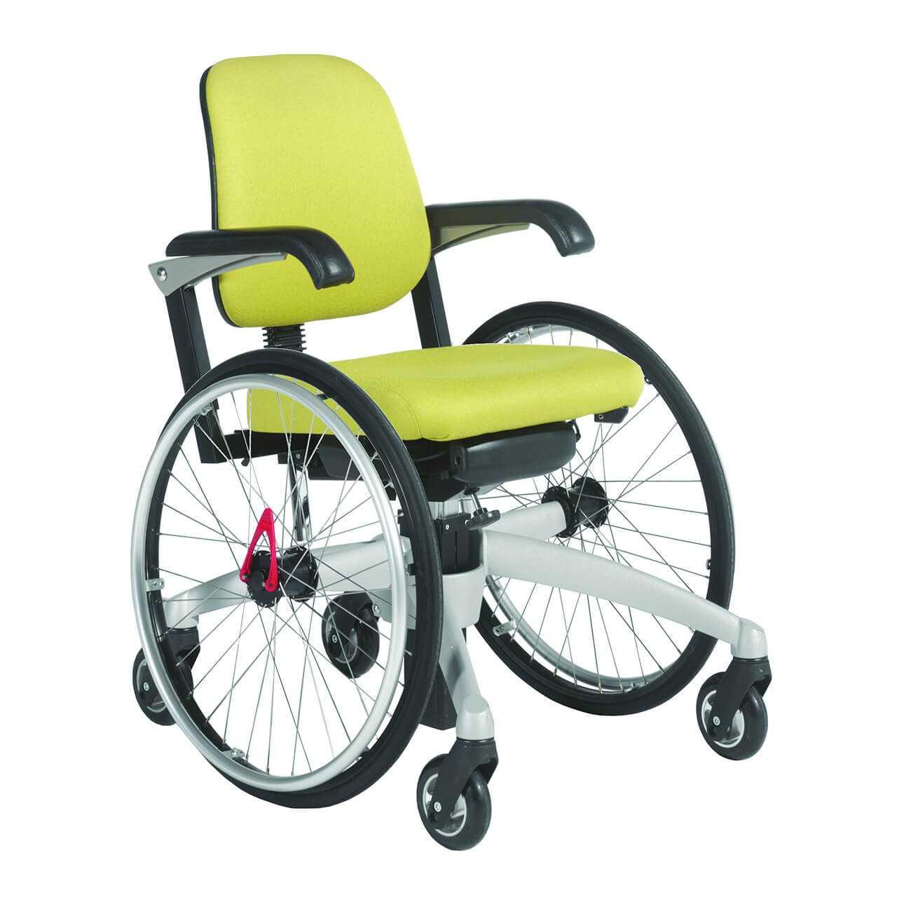 Le tripple wheels trippelstoelen ARTNRNNB 0000s 0002 Schuin